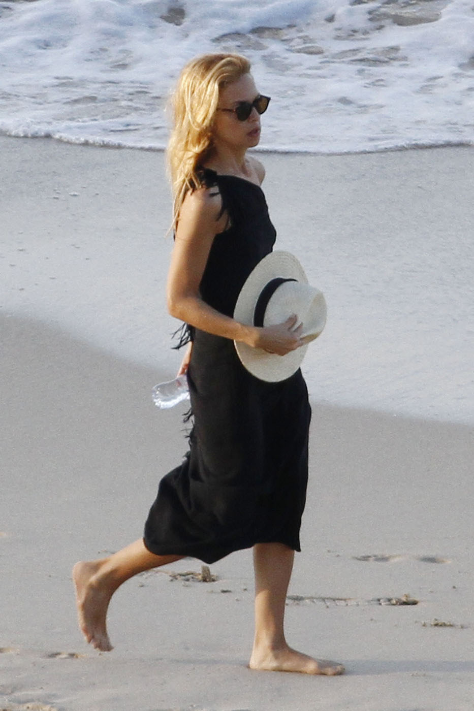 Rachel Zoe hangs out at Flamands beach in St Barts with her husband Rodger Berman and her son Skylar