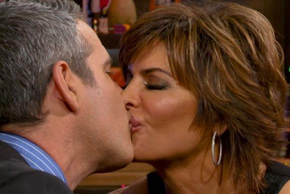 lisa rinna andy kiss rhobh