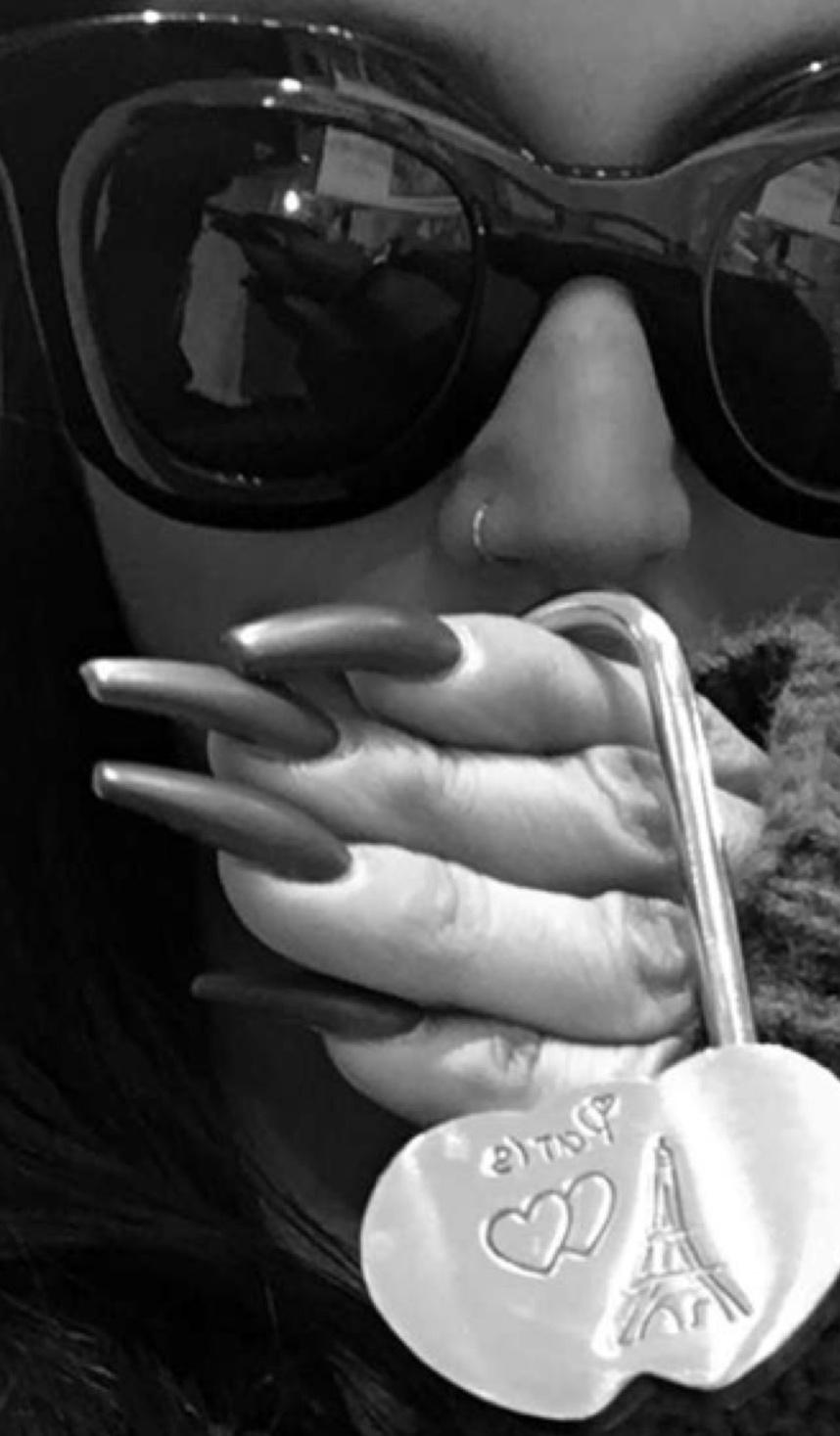 scheana marie thick fingernails