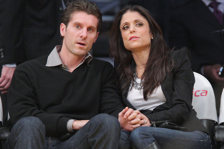 An older picture of Bethenny Frankel. See how her jaw used to be shaped?