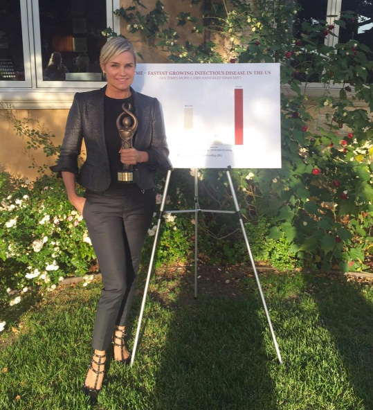 Yolanda Hadid with her Stand4Lyme award trophy.