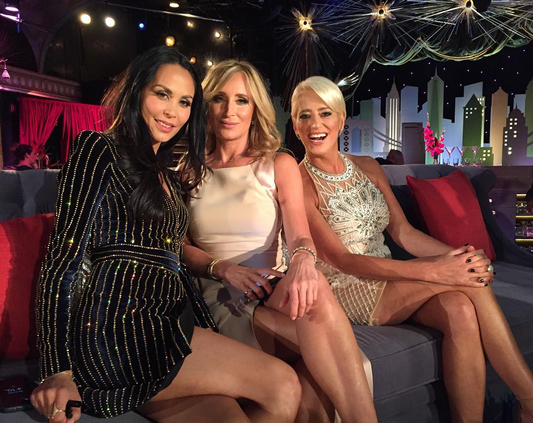 dorinda medley with sonja morgan and jules wainstein at the season 8 reunion show